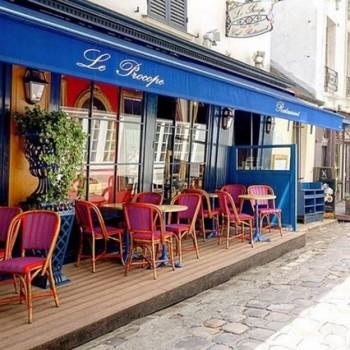 Le premier café de Paris